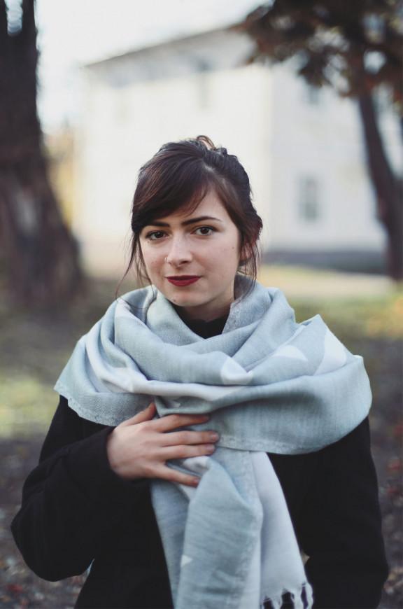 Schals aus Viskose und Acryl
