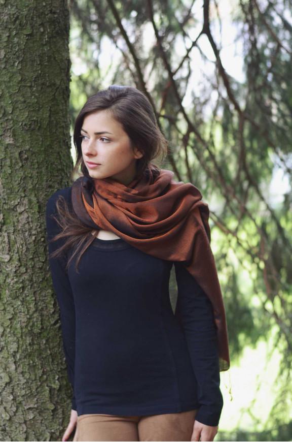 Schals aus Polyester und Seide