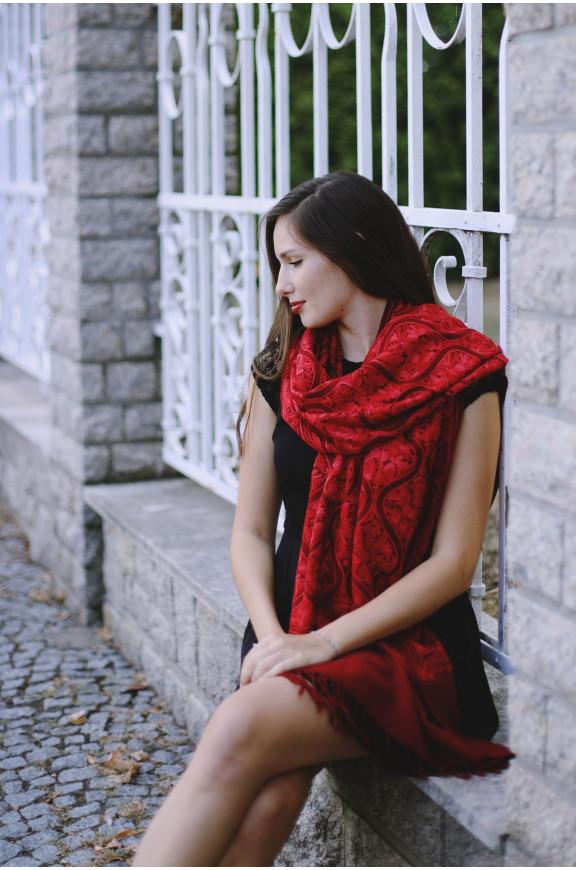 Kaschmirische Schals maschinell bestickt