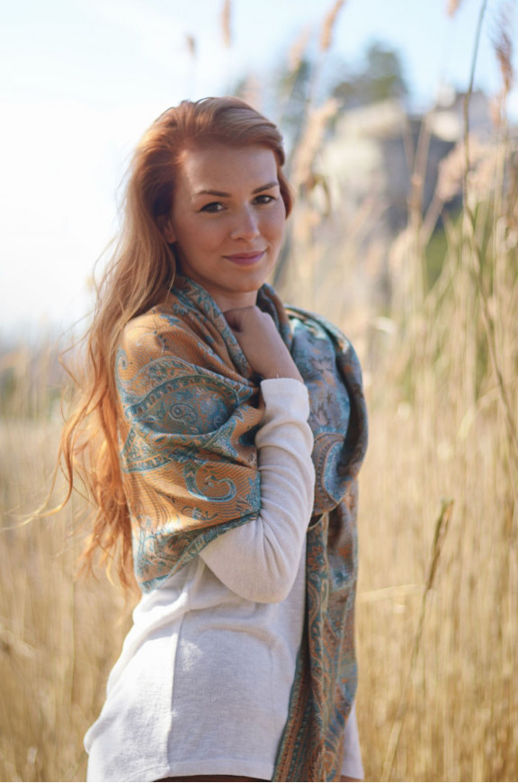 Schals aus Viskose und Seide